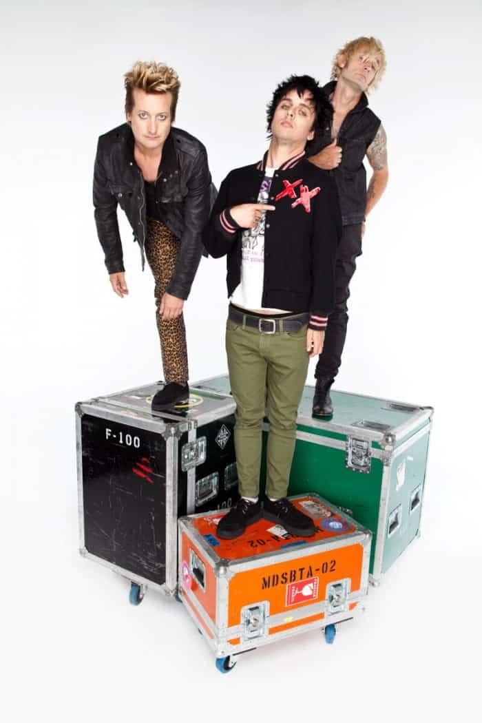 Green Day - Heart Like A Hand Grenade