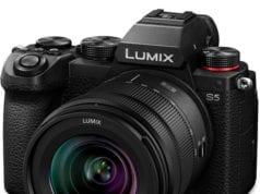 Panasonic S5 vs GH5 - price and kit lens